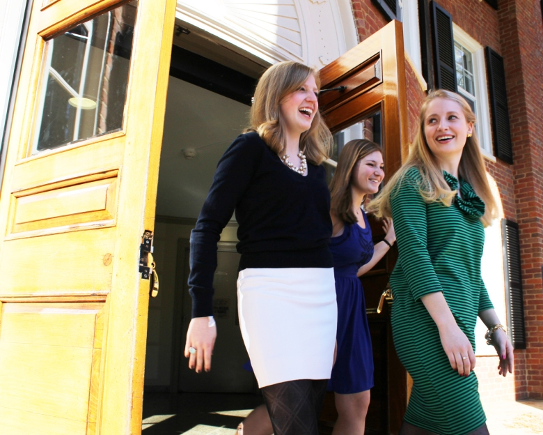 Photo courtesy of Courtney Such Freshmen (clockwise from left) Anne Holman Smith, Elise Hearne, and Shannon Hessen share a laugh before their third day of sorority recruitment activities on Monday, Jan. 20.
