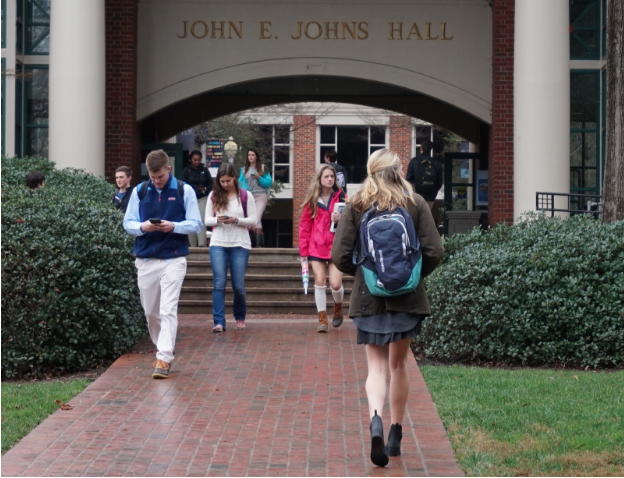 Students transitioning between classes near Johns Hall. Photo courtesy of Kayla Wiles.